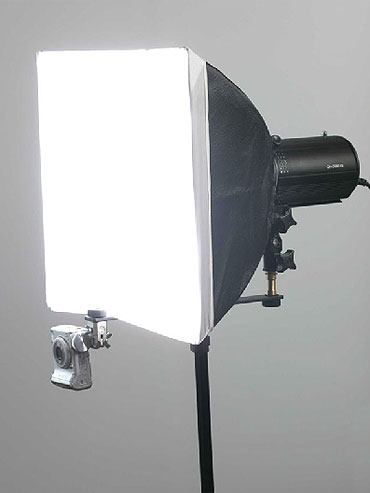 Готовые комплекты импульсного осветительного оборудования для небольшой студии фото на документы.  Цена от 6400 руб.
